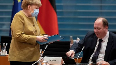 Германия обмисля ограничения за неваксинирани