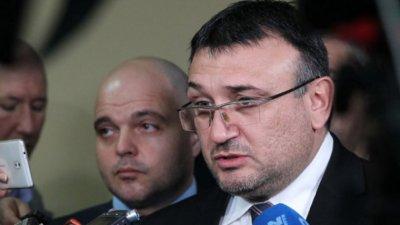 Младен Маринов: Агитките се палят от напрежението между футболните собственици
