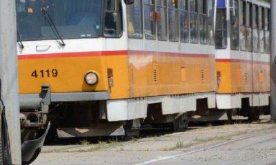 ЦГМ, идиоти ли сте? Жена почина в трамвай 12