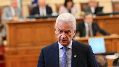Волен иска всички социолози на отчет пред антикорупционната комисия