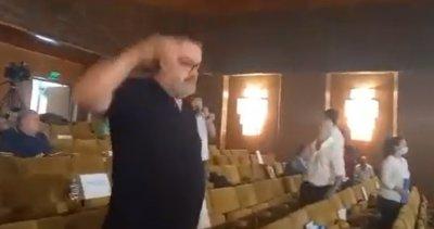 Бой в общинския съвет в Шумен