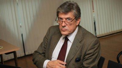 Политолог: Кризата е зад ъгъла