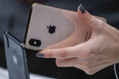 Недостигът на чипове удря и смартфон индустрията