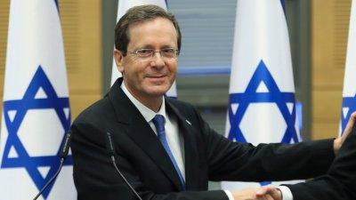 Израелският президент се боцна с Пфайзер за трети път
