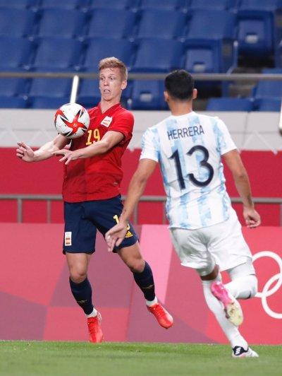 Равенство класира Испания на 1/4-финал и изхвърли Аржентина от битката за титлата в Токио