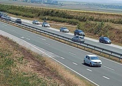 """Арестуваха шофьори, хитруващи в аварийната лента на АМ """"Тракия"""", причината обаче е друга"""
