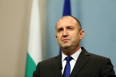 Румен Радев: България може да помогне с техника при пожара в Северна Македония
