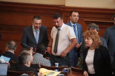 Депутатите на ИТН чакат имената на министирте