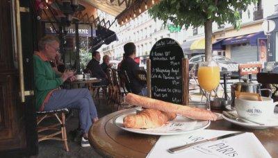 Ха, така: Французи папкат в Белгия заради вируса