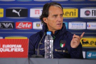 Манчини влезе в историята, подобри рекорд на Липи