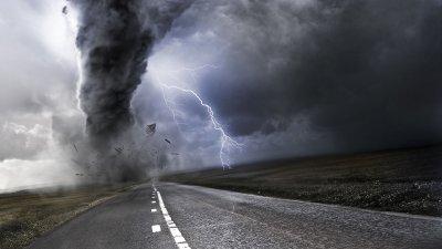 Торнадо уби двама души в Италия