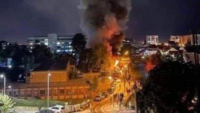 Стотици почетоха с шествие жертвите на пожара в Тетово