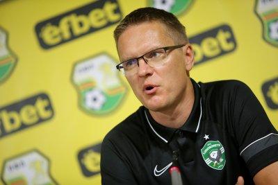Лудогорец тръгна за Дания без треньор, Дамбраускас със съмнения за COVID-19