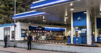 Клиент застреля касиер на бензиностанция заради маска
