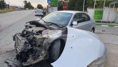 Тежка катастрофа край Пловдив, има пострадали