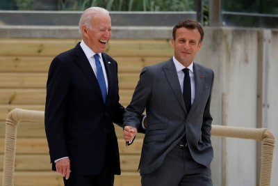 Макрон връща френския посланик в САЩ след разговор с Байдън