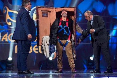 """Калин Вельов се оказа Куфарът в """"Маскираният певец"""""""