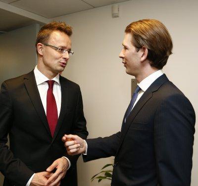 Унгарският външен министър: Няма да отстъпим пред джендърите!