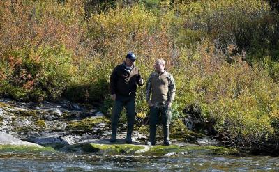 Путин лови риба в Сибир