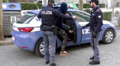 Осъдиха осем българи в Италия за кражба на техника от заводи