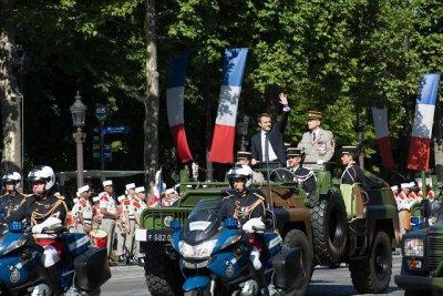 Франция отбелязва националния си празник