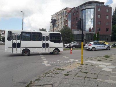 Градски автобус удари пешеходка