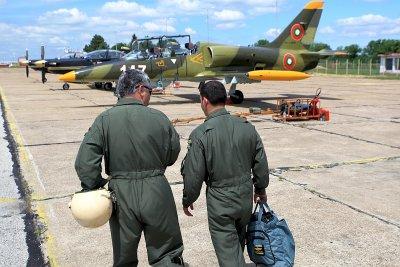 След сделката за Ф-16: Армията спешно набира пилоти