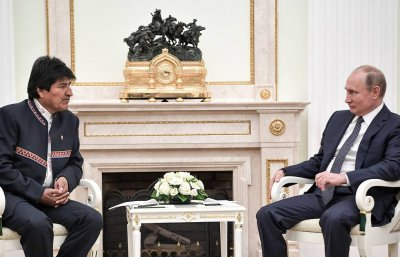 Путин и Моралес: Долу ръцете от Венецуела!
