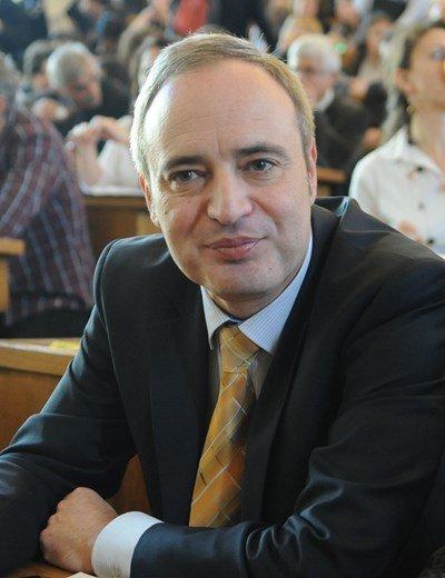 Идиотски фейк на бабикянския сайт информиран.нет, приписан на проф. Анастас Герджиков