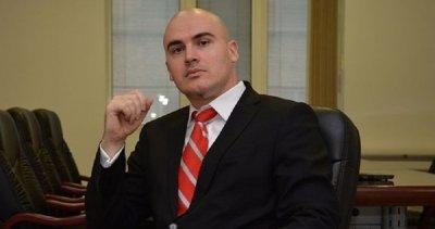Плагиатът Илиев платил една заплата и изчезнал от СУ