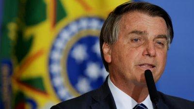 Куриоз! Не допуснаха бразилския президент на мач, не бил ваксиниран
