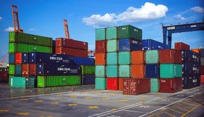 Скок на износа и вноса с над 20% за осемте месеца на годината