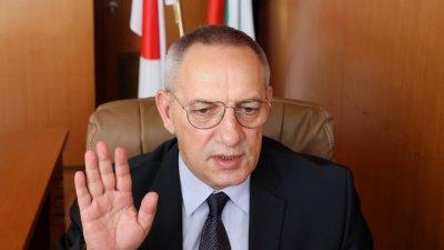 Спортният министър: Ям луканка след побоя