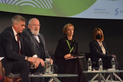 Стефан Янев: Необходим е плавен преход към зелена енергия
