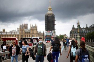 Великобритания отново под Covid атака