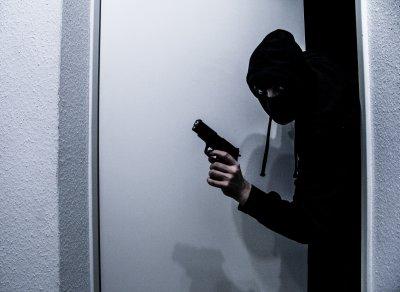 Серия от взломни кражби от офиси в Търговище