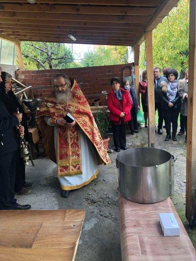 Цвета Караянчева даде курбан в Крумовград (СНИМКИ)