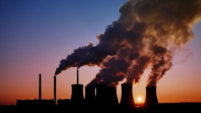"""Най-замърсяващата въздуха страна увеличава добива на въглища """"възможно най-много"""""""