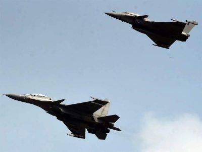 Русия вдигна два изтребителя срещу бомбардировачи на САЩ