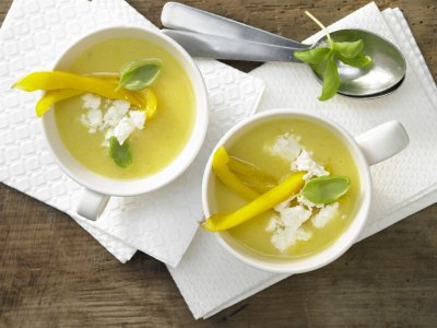 Полента супа с чушки и сирене