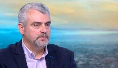 Д-р Георги Миндов: Опашките за сертификати ще доведат до нов епидемиологичен взрив