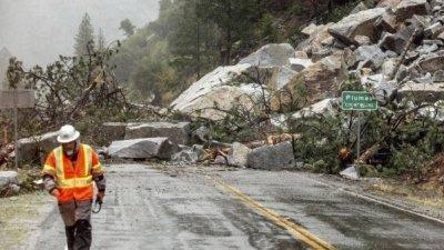 Наводнения и свлачища след силна буря в Калифорния