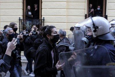 Над 100 000 проверки в Гърция, арести за неспазване на мерките