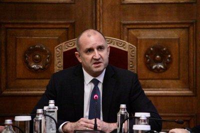 Президентът поиска от министрите по-евтини тестове и връщане на децата в клас
