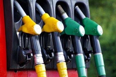 Ще поскъпват ли още горивата?