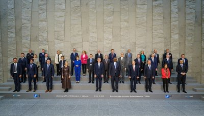 България настоява за политическа ангажираност на НАТО в Афганистан