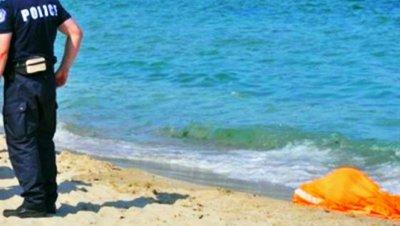 Труп на мъж изхвърли морето край Варна