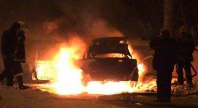 Подпалиха две коли във врачанско