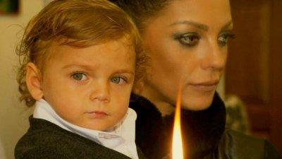 Съдът взе детето на Емануела