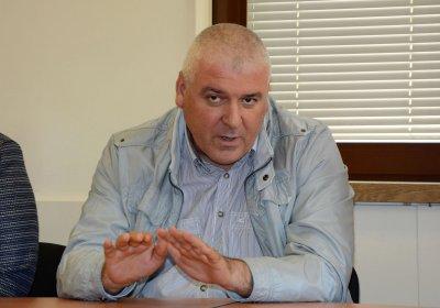 Шефът на ГДБОП: Изпуснахме пласьор на мигранти и жени